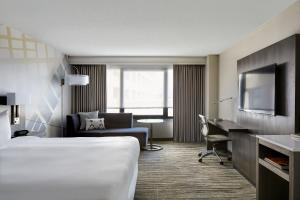 Double or King Room with Executive Lounge Access