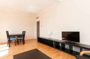 Two-Bedroom Apartment with Street View
