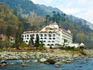 Manali Resorts website