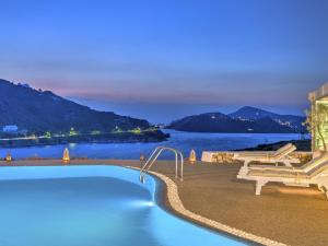 Eirini Luxury Hotel Villas - 11 of 33