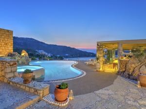 Eirini Luxury Hotel Villas - 32 of 33