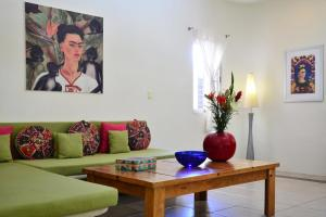 Frida - One-Bedroom Apartment