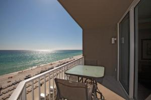 One-Bedroom Apartment 416 with Sea View