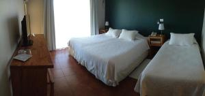 Standard Double Room (2 Adults + 1 Child))