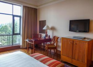 Wildflower Hall Shimla, Отели  Шимла - big - 7