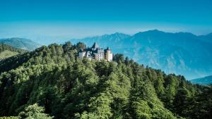 Wildflower Hall Shimla, Отели  Шимла - big - 1