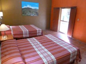 Deluxe Double Room (1 adult + 1 child)