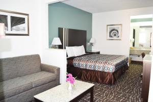 Photo of Relax Inn Motel And Suites Omaha