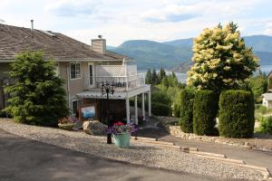 Photo of Selah Retreat Bed & Breakfast