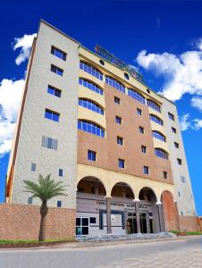 Photo of Royal Suites Hotel
