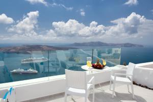 Fira Deep Blue Suites