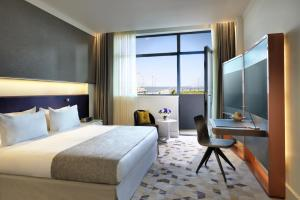 Photo of Intourist Hotel Baku Autograph Collection, A Marriott Luxury & Lifestyle Hotel