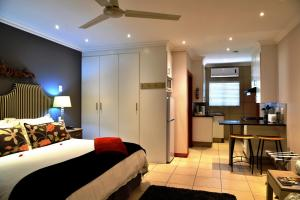 Superior King Room with Kitchenette