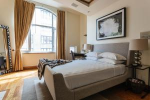 Four-Bedroom Apartment - West 17th Townhouse