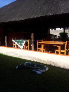Nzipile Executive Guest House, Bed & Breakfasts  Chingola - big - 23