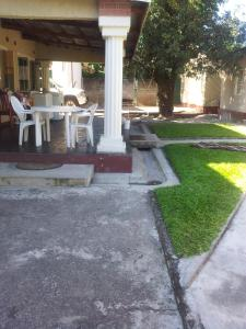 Nzipile Executive Guest House, Bed & Breakfasts  Chingola - big - 19