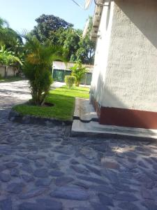 Nzipile Executive Guest House, Bed & Breakfasts  Chingola - big - 26