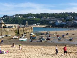 Harbour view Bed and Breakfast in St Ives, Cornwall, England