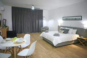 Photo of Corina Suites & Apartments