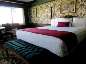 King Room with Riverview