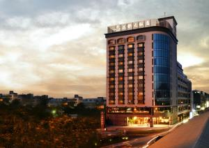 Photo of Grand City Hotel