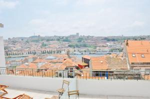 Photo of Douro Apartments   S. Miguel