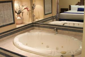 King Room with Jacuzzi