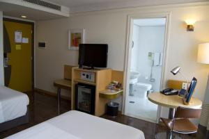 Superior Twin Room (3 Adults)