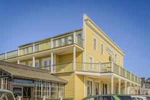 Photo of Mendocino Hotel & Garden