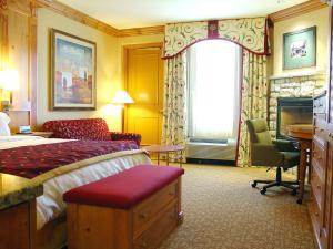 Lakeside Preferred King Room
