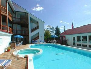 The Beach Condominium Hotel Resort, Aparthotely  Traverse City - big - 13
