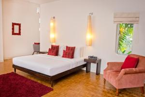 Photo of Colombo Hotel By Ceilao Villas