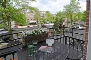 De Witten Canal View Apartment