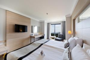 Ramada Resort Bodrum, Hotel  Bitez - big - 42
