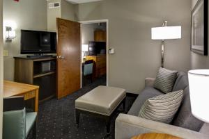 One-Bedroom Suite with Two Double Beds - Hearing Accessible