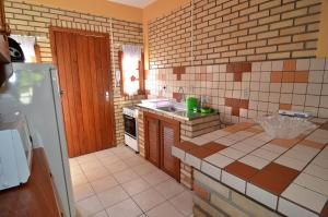 Standard One-Bedroom Apartment with Balcony ( 2 Adults)