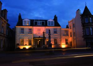 Photo of The Tontine Hotel