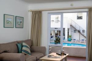 Triple Room with Pool View - Ground Floor