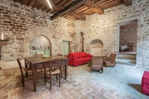 Photo of Medieval Suite
