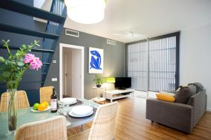 Two-Bedroom Apartment with Terrace - Bilbao 11