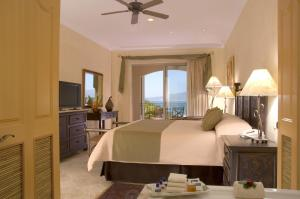 Three-Bedroom Suite Ocean Front