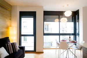 One-Bedroom Apartment with Terrace - Galceran Marquet 8