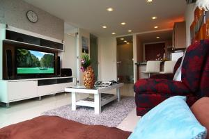 Wong Amat Beach Apartment