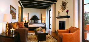 Roof Top Colonial King Room