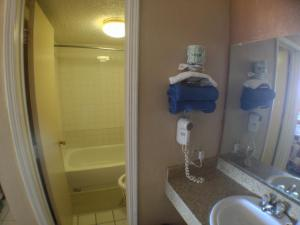 Budget Double Room with Two Double Beds - Non-Smoking