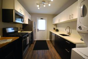 Two-Bedroom Condo - 15 Standish Avenue