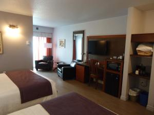 Deluxe Double Room with Two Queen Beds