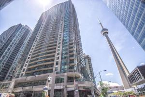 Two-Bedroom Apartment with CN Tower View