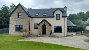 Photo of Grianan Lodge Holiday Hostel