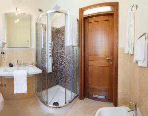 Grand Hotel De Rose, Hotels  Scalea - big - 21